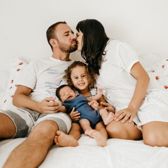 Kako da partneri ne izgube BLISKOST kada dobiju decu?