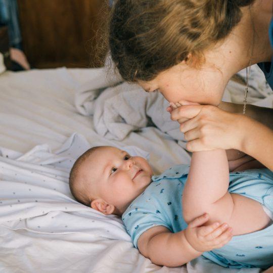Pedijatri upozoravaju: Biljna mleka nisu dovoljno hranljiva za decu